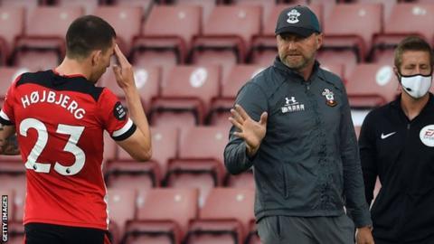 Pierre-Emile Hojbjerg: Everton in talks for Southampton midfielder
