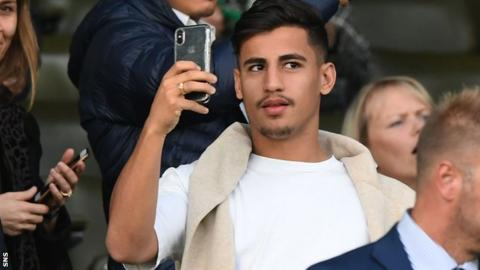 Celtic sign Arzani from Man City on loan
