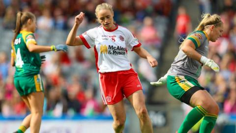 A goal in the fourth minute by midfielder Neamh Woods put Tyrone on the victory path in Dublin