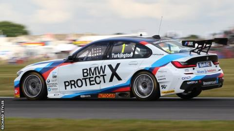 BTCC: Turkington's championship lead cut to 10 after dramatic Knockhill round