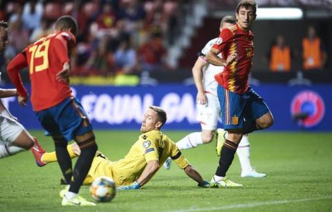 Rodrigo scores for Spain