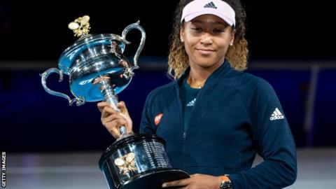 Naomi Osaka with the Australian Open trophy