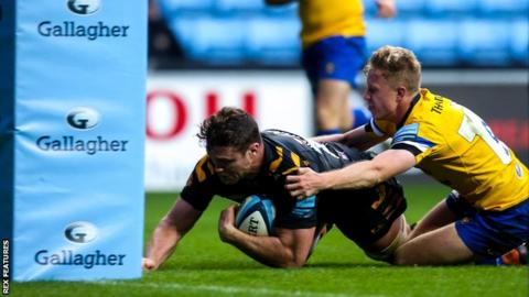 Wasps lock Will Rowlands