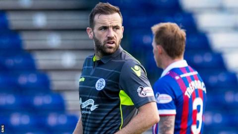 James McFadden in action for Queen of the South