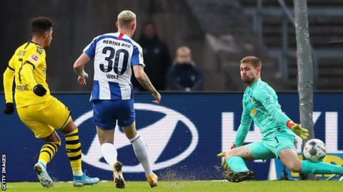 Leipzig go top as 10-man Dortmund beat Hertha 2-1