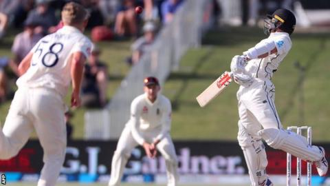 Sam Curran takes the all-important wicket of Kane Williamson with a lifting delivery
