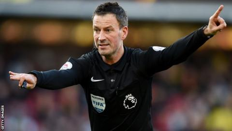 Mark Clattenburg: Referee stops play for call to prayer in Saudi Arabia
