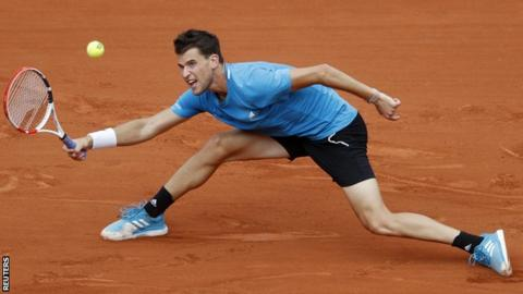 Dominic Thiem pulls off incredible tweener, Gael Monfils applauds - Roland-Garros