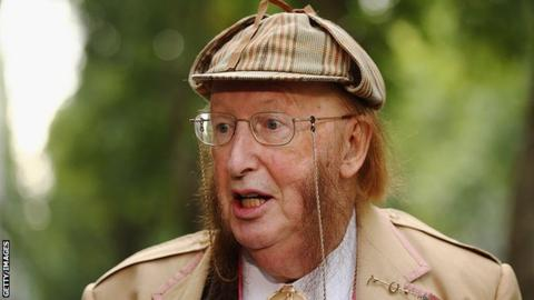 Horse racing pundit John McCririck dead at 79
