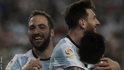 Gonzalo Higuain and Lionel Messi