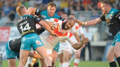 Catalans beat Leeds in Perpignan for the second season running following a 33-30 win against the then reigning champions in 2018