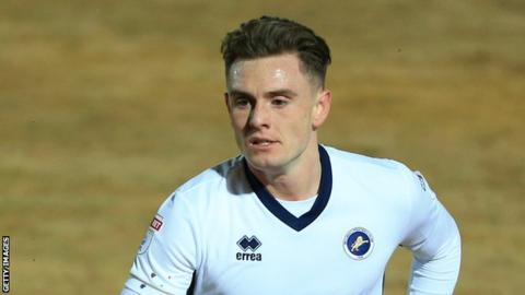 Ben Thompson plays for Millwall in the FA Cup in 2018