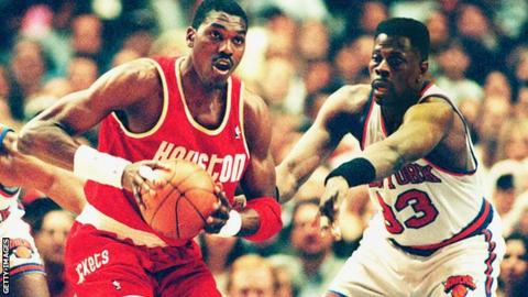 Former New York Knicks center Patrick Ewing (right) played 17 seasons in the NBA