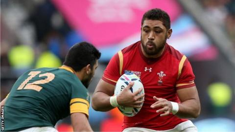 Taulupe Faletau in action for Wales against South Africa in the 2015 Rugby World Cup