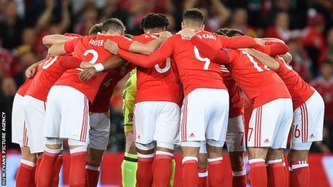 Wales huddle
