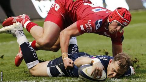 Will Addison scores Sale's second try