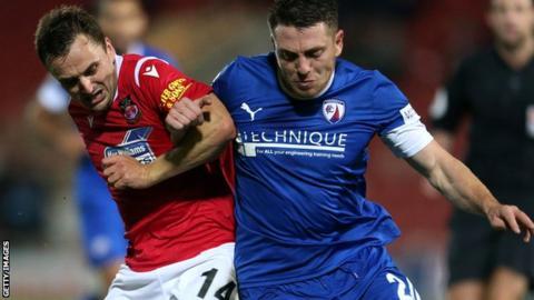 Paul Rutherford in action against Sam Wedgbury