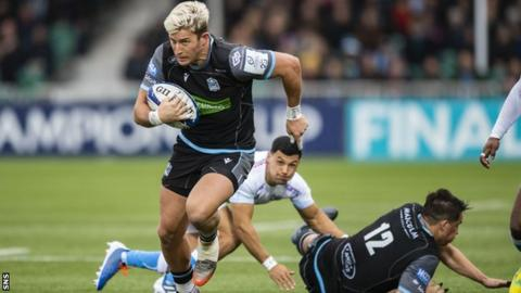 DTH van der Merwe races away to score his first-half try as Glasgow Warriors beat Sale Sharks