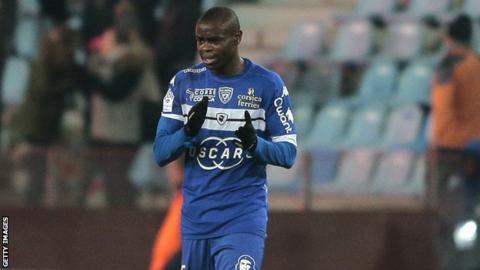 Congolese midfielder Prince Oniangue