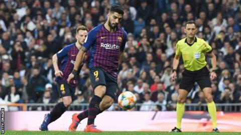 Real Madrid 0-3 Barcelona (1-4 agg): Luis Suarez double