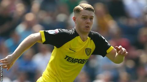 Jacob Davenport in action for Burton Albion