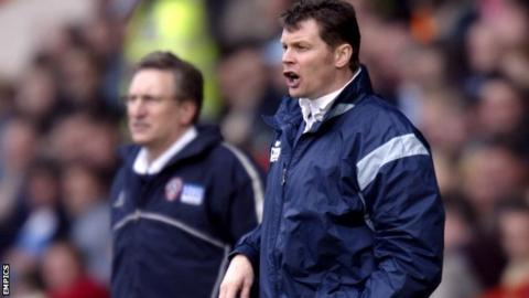 Steve Cotterill (right) and Neil Warnock both started their managerial career in non-league football