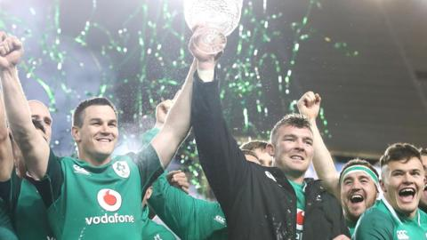 Johnny Sexton and Peter O'Mahony celebrate winning the series against Australia