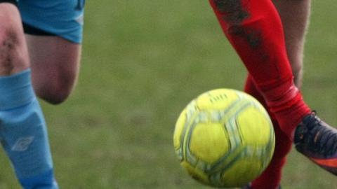 Warrenpoint Town defeated Crewe United by 5-0 in a sixth round Irish Cup tie