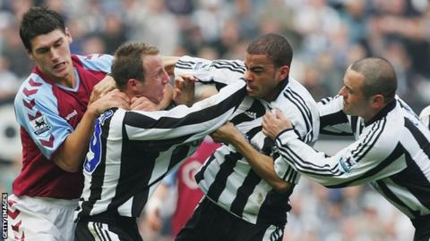 Newcastle team-mates Kieron Dyer and Lee Bowyer fight in 2005