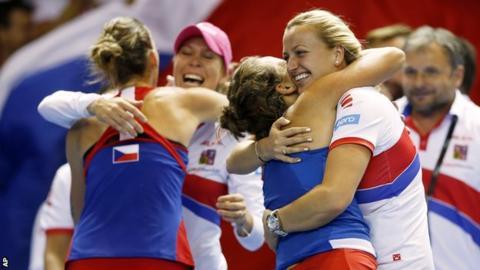 Czech Republic celebrate winning Fed Cup