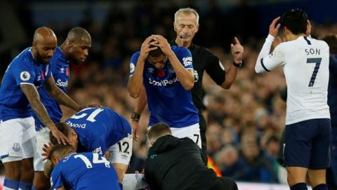 Andre Gomes' horror injury overshadows Everton, Tottenham's ongoing search for wins