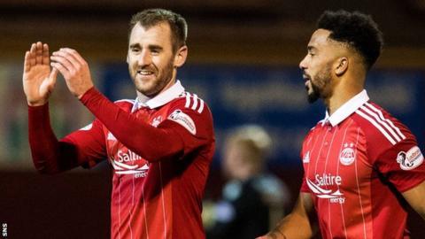 Aberdeen winger Niall McGinn (left)celebrates