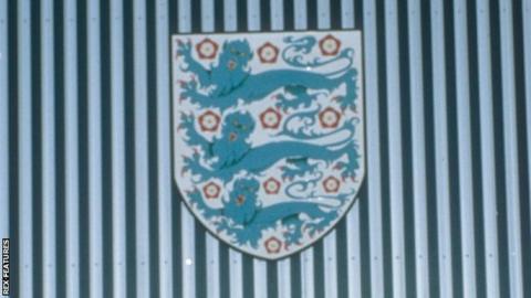 Three Lions Crest