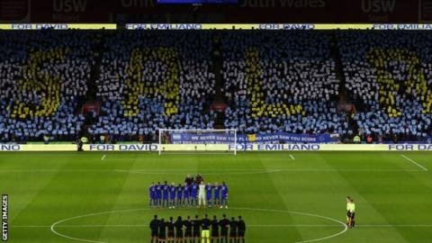 A mosaic in the colours of Argentine striker Sala showed his name before kick-off