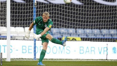 Hudderfield Town goalkeeper Ryan Schofield