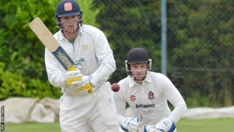 Alex Thomson Warwickshire Sign Staffordshire All Rounder On One