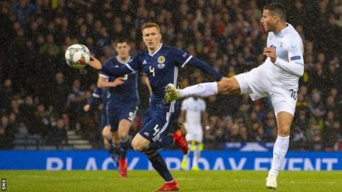 Allan McGregor saves from Tomer Hemed