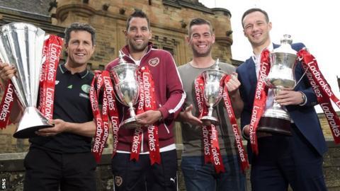 Neil Alexander (second left) helped announce the SPFL fixtures at Edinburgh Castle