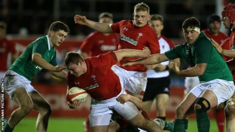 Dewi Lake in action for Wales under 20 against Ireland during the 2019 Six Nations tournament