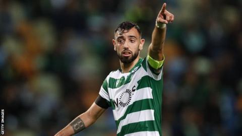 Sporting Lisbon midfielder Bruno Fernandes points during a match