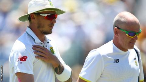 Dale Steyn injures his shoulder during the first Test against Australia in Perth