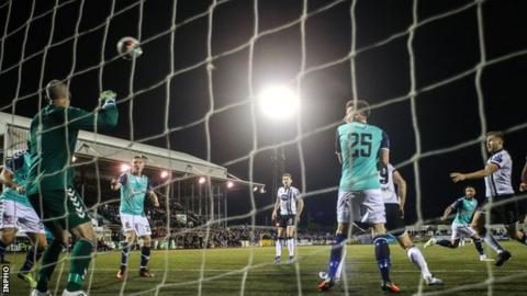Brian Gartland (right) powers the ball into the Derry net to put Dundalk 2-1 ahead