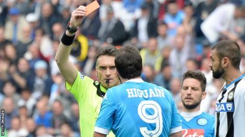 Gonzalo Higuain is sent off