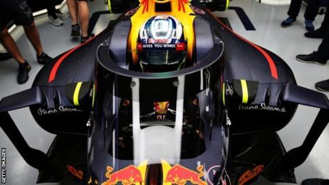 Daniel Ricciardo's car fitted with the 'aeroscreen' device