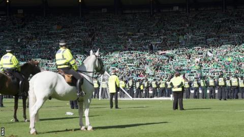 Police and Hibs fans