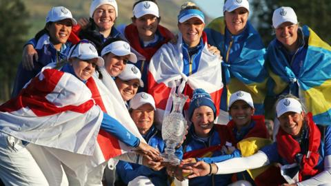 Europe team with the Solheim Cup