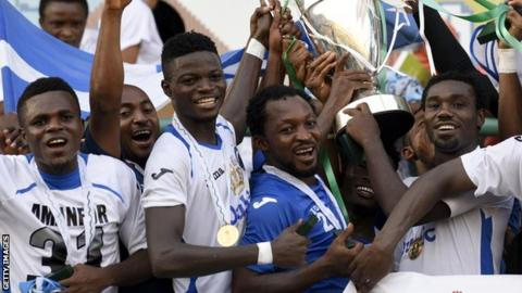 Enyimba celebrate retaining the Nigerian Cup in 2014