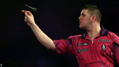 Daryl Gurney fell to a defeat at Alexandra Palace on Saturday night