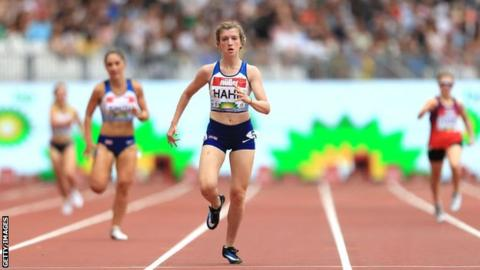 Sophie Hahn in action at the 2018 Anniversary Games
