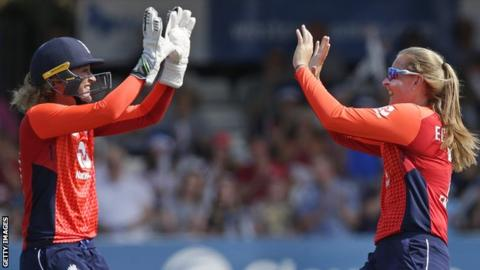 England's Sarah Taylor and Sophie Ecclestone